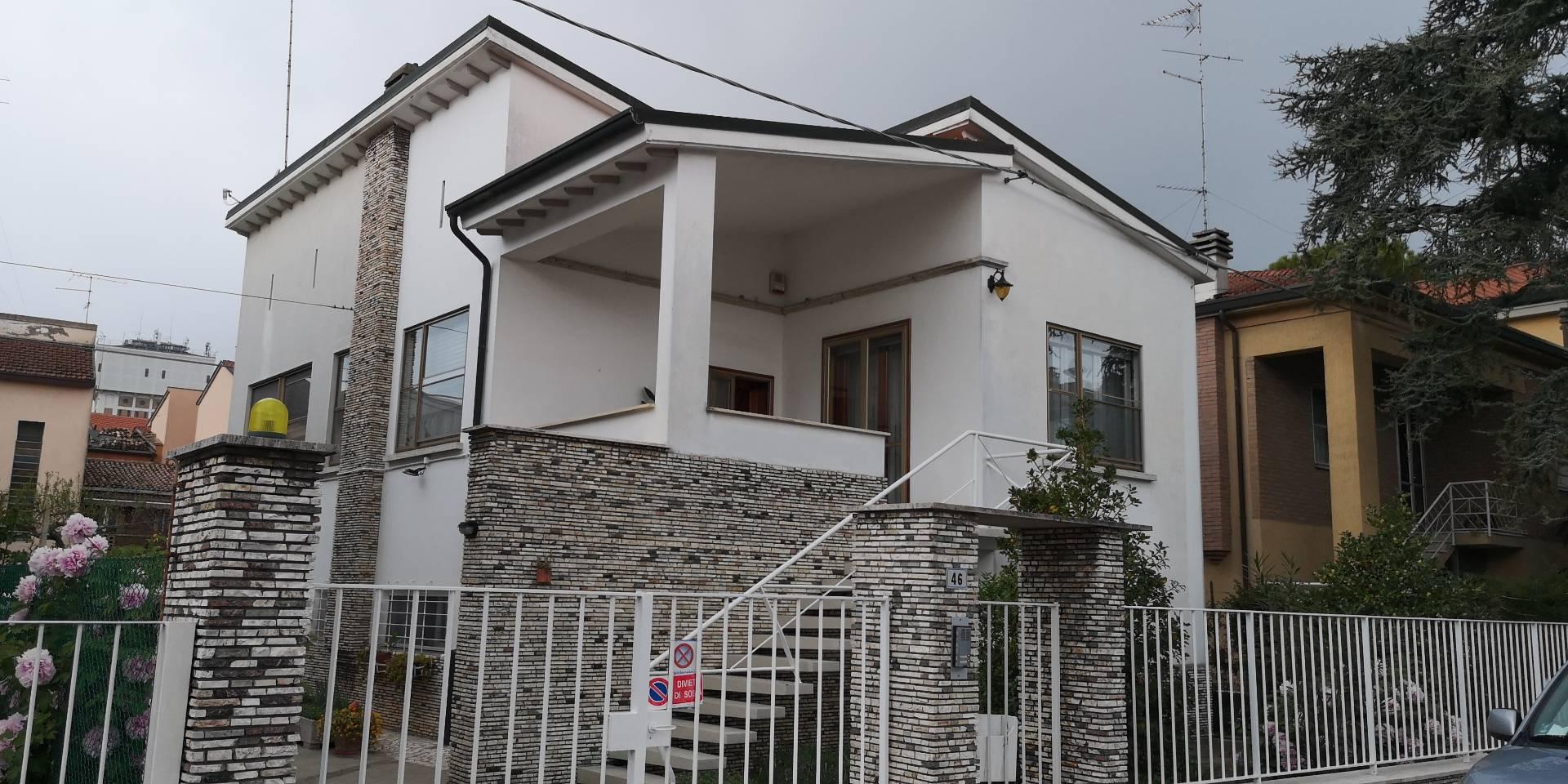Soluzione Indipendente in affitto a Ravenna, 4 locali, zona Località: SanRocco2, prezzo € 700   CambioCasa.it