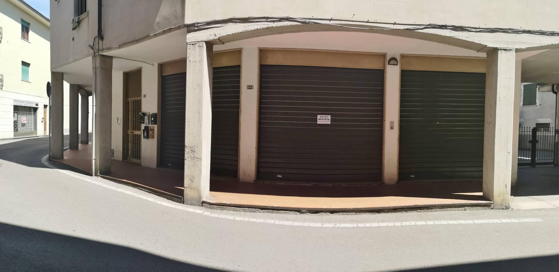 Negozio / Locale in affitto a Spirano, 9999 locali, prezzo € 350 | CambioCasa.it