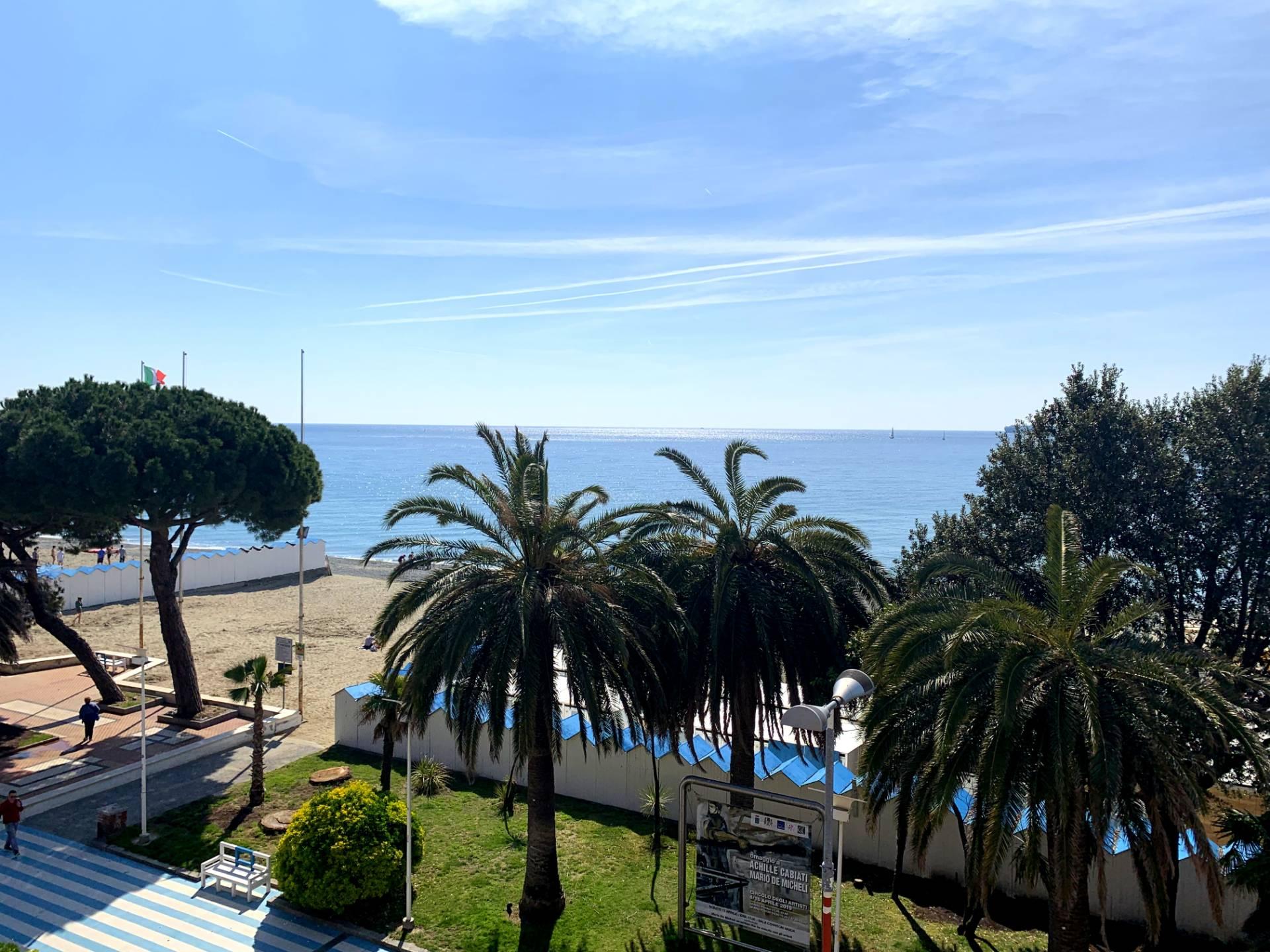 Appartamento in vendita a Albissola Marina, 4 locali, prezzo € 325.000   PortaleAgenzieImmobiliari.it