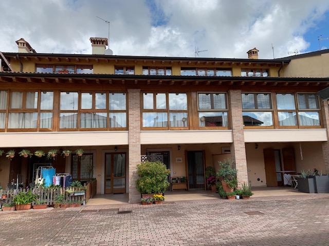 Appartamento in vendita a Rovato, 3 locali, prezzo € 135.000 | PortaleAgenzieImmobiliari.it