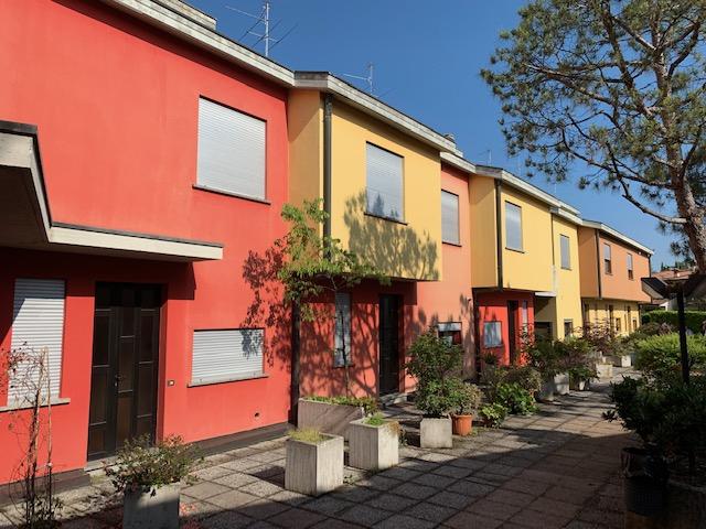 Villa a Schiera in vendita a Palazzolo sull'Oglio, 5 locali, prezzo € 165.000 | PortaleAgenzieImmobiliari.it