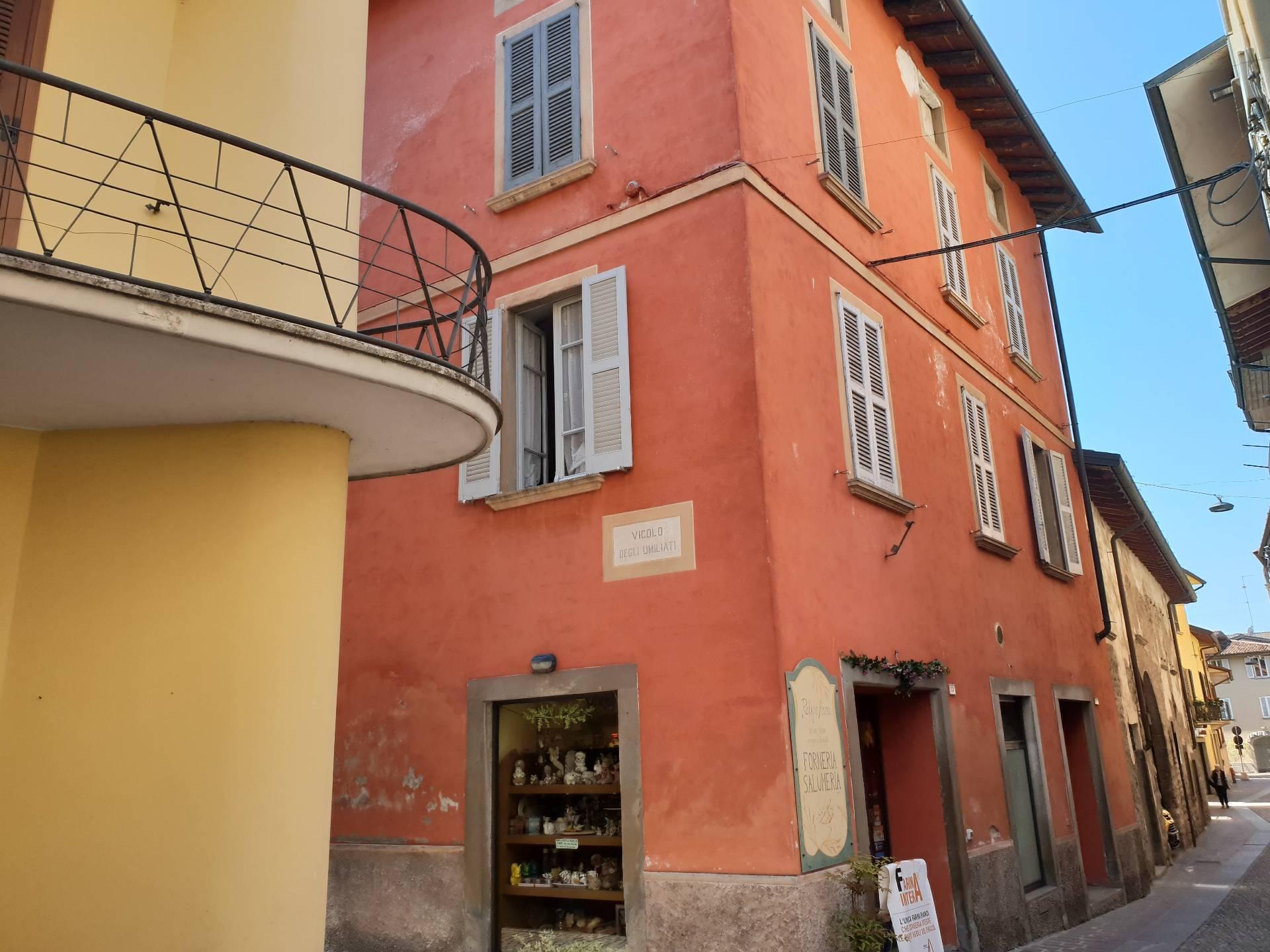 Appartamento in vendita a Palazzolo sull'Oglio, 8 locali, Trattative riservate | PortaleAgenzieImmobiliari.it