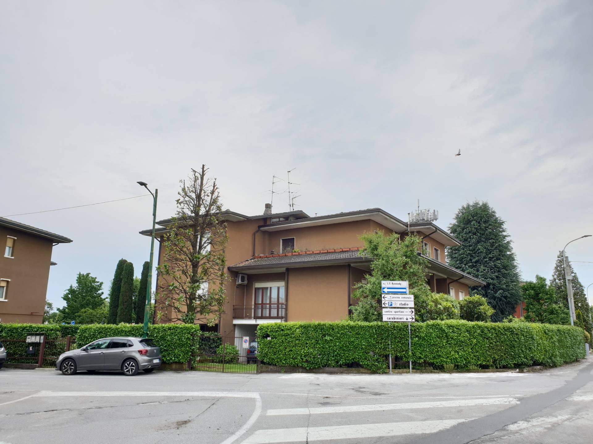 Appartamento in vendita a Palazzolo sull'Oglio, 4 locali, prezzo € 148.000 | PortaleAgenzieImmobiliari.it