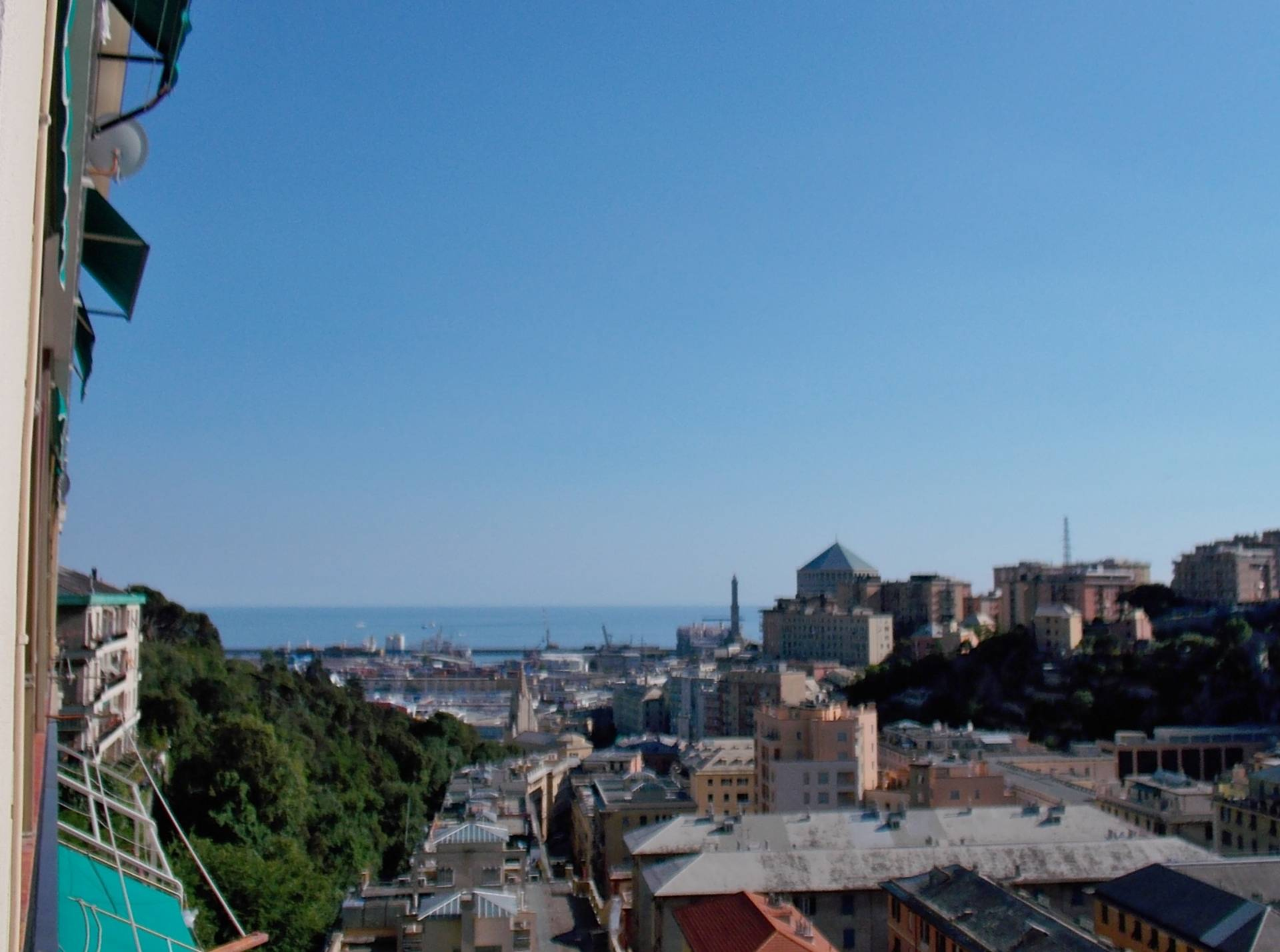APPARTAMENTO in Vendita a Genova (GENOVA)
