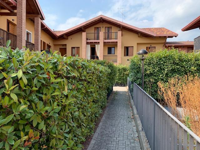 Appartamento in vendita a Rovato, 3 locali, prezzo € 128.000 | CambioCasa.it