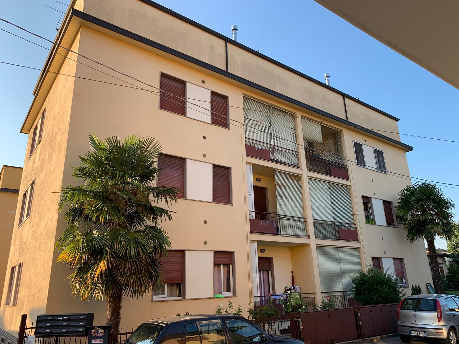 Appartamento in vendita a Palazzolo sull'Oglio, 3 locali, prezzo € 78.000 | CambioCasa.it