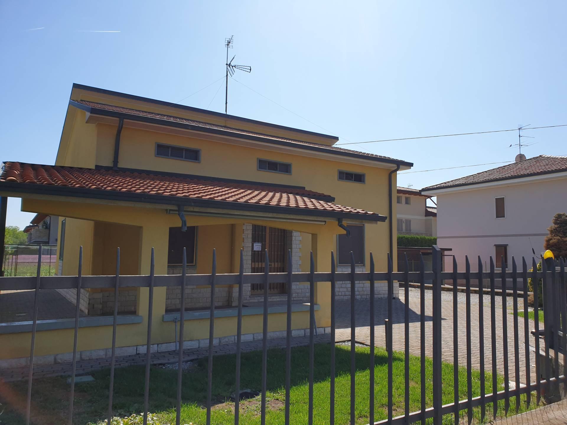 CASA INDIPENDENTE in Vendita a Palazzolo Sull'oglio (BRESCIA)