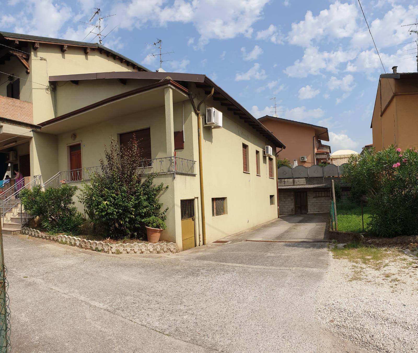 Villa Bifamiliare in vendita a Ospitaletto, 7 locali, prezzo € 128.000 | PortaleAgenzieImmobiliari.it