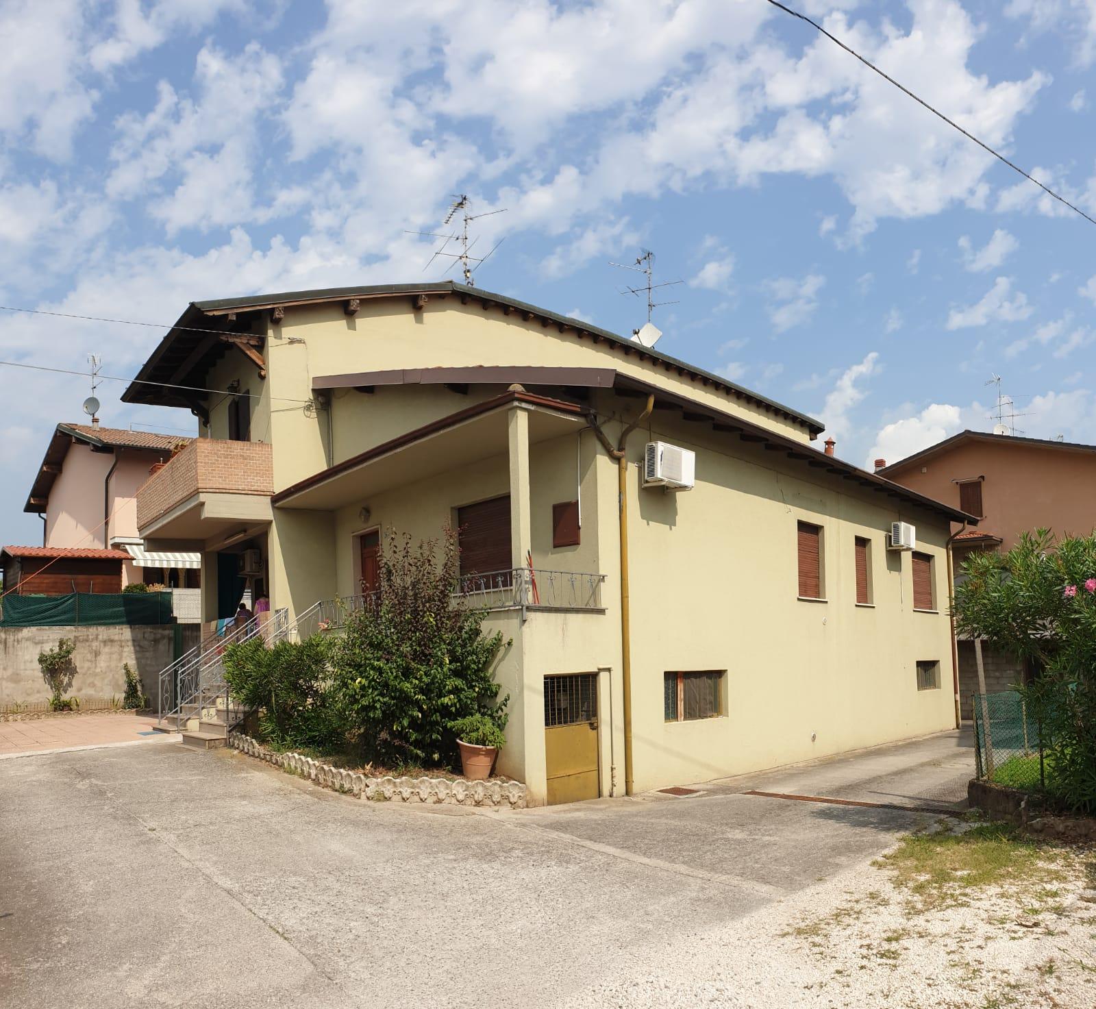 Villa Bifamiliare in vendita a Castegnato, 58 locali, prezzo € 128.000 | PortaleAgenzieImmobiliari.it