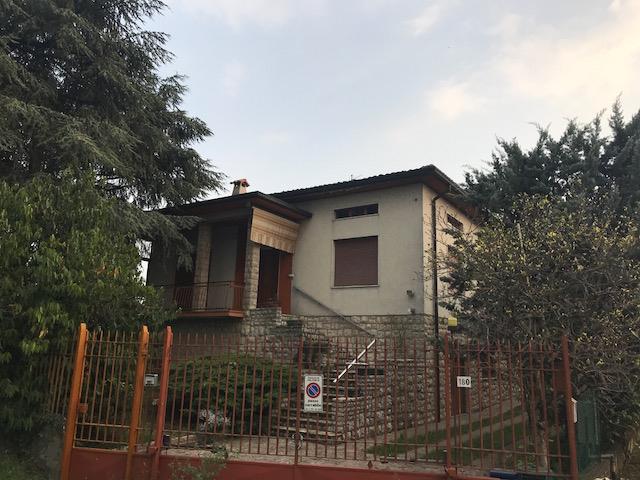 Villa in vendita a Palosco, 7 locali, prezzo € 150.000 | PortaleAgenzieImmobiliari.it