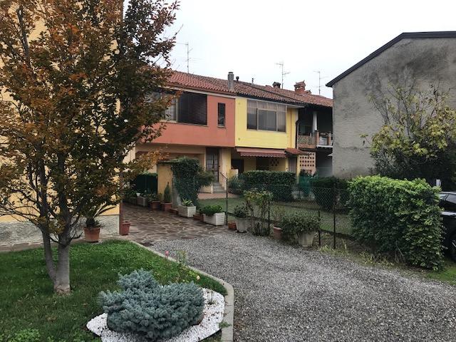Appartamento in vendita a Palazzolo sull'Oglio, 4 locali, prezzo € 98.000 | PortaleAgenzieImmobiliari.it
