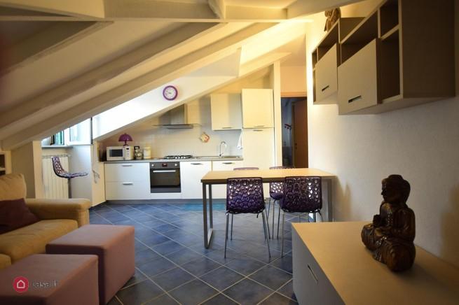 Appartamento in vendita a Cogoleto, 4 locali, zona Località: Centrostorico, prezzo € 289.000 | CambioCasa.it