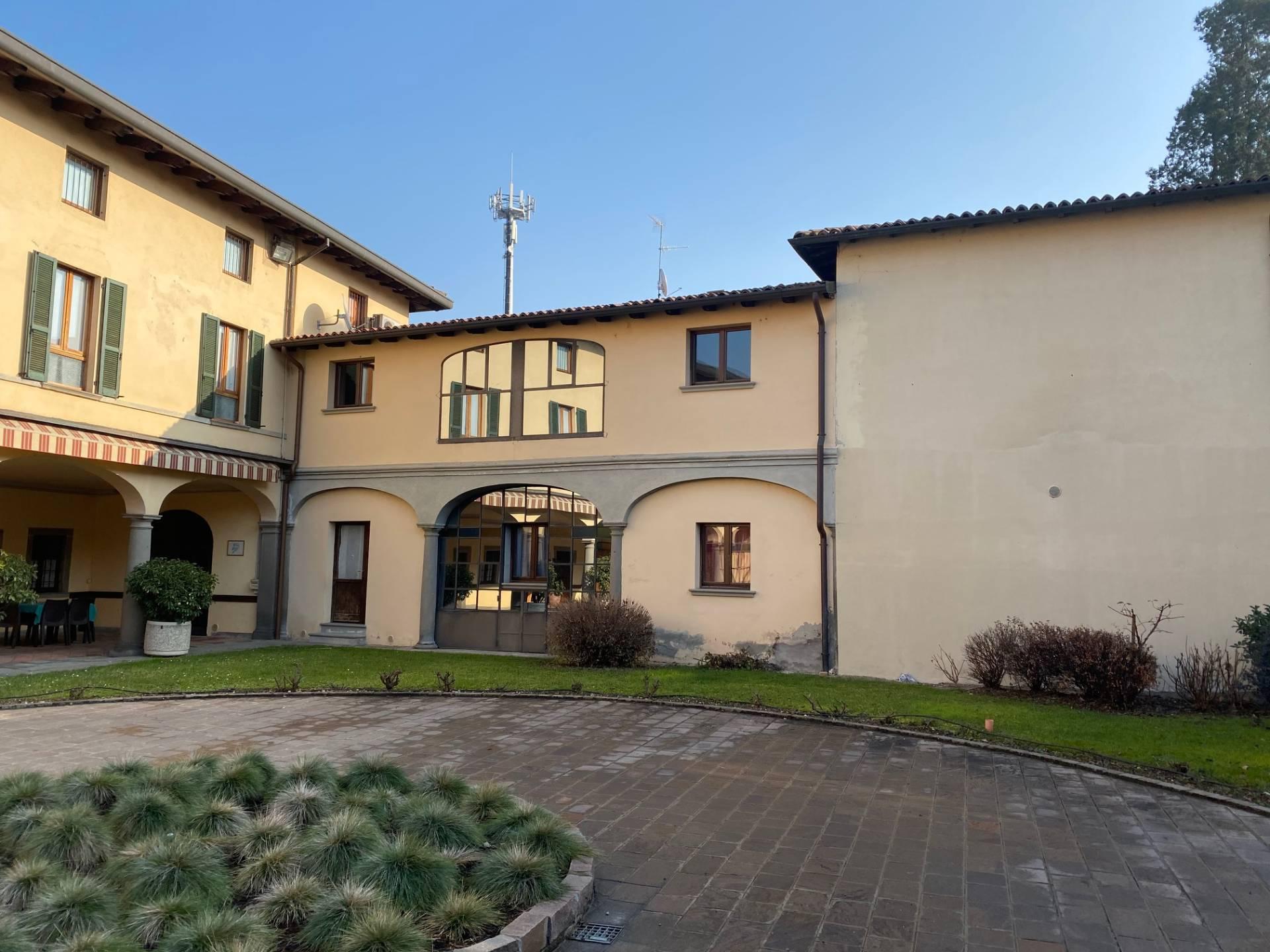 Appartamento in vendita a Palazzolo sull'Oglio, 4 locali, prezzo € 85.000 | PortaleAgenzieImmobiliari.it