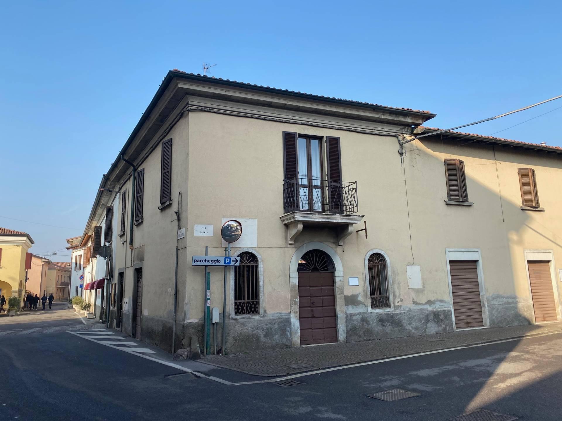 Appartamento in vendita a Palazzolo sull'Oglio, 4 locali, prezzo € 120.000 | PortaleAgenzieImmobiliari.it