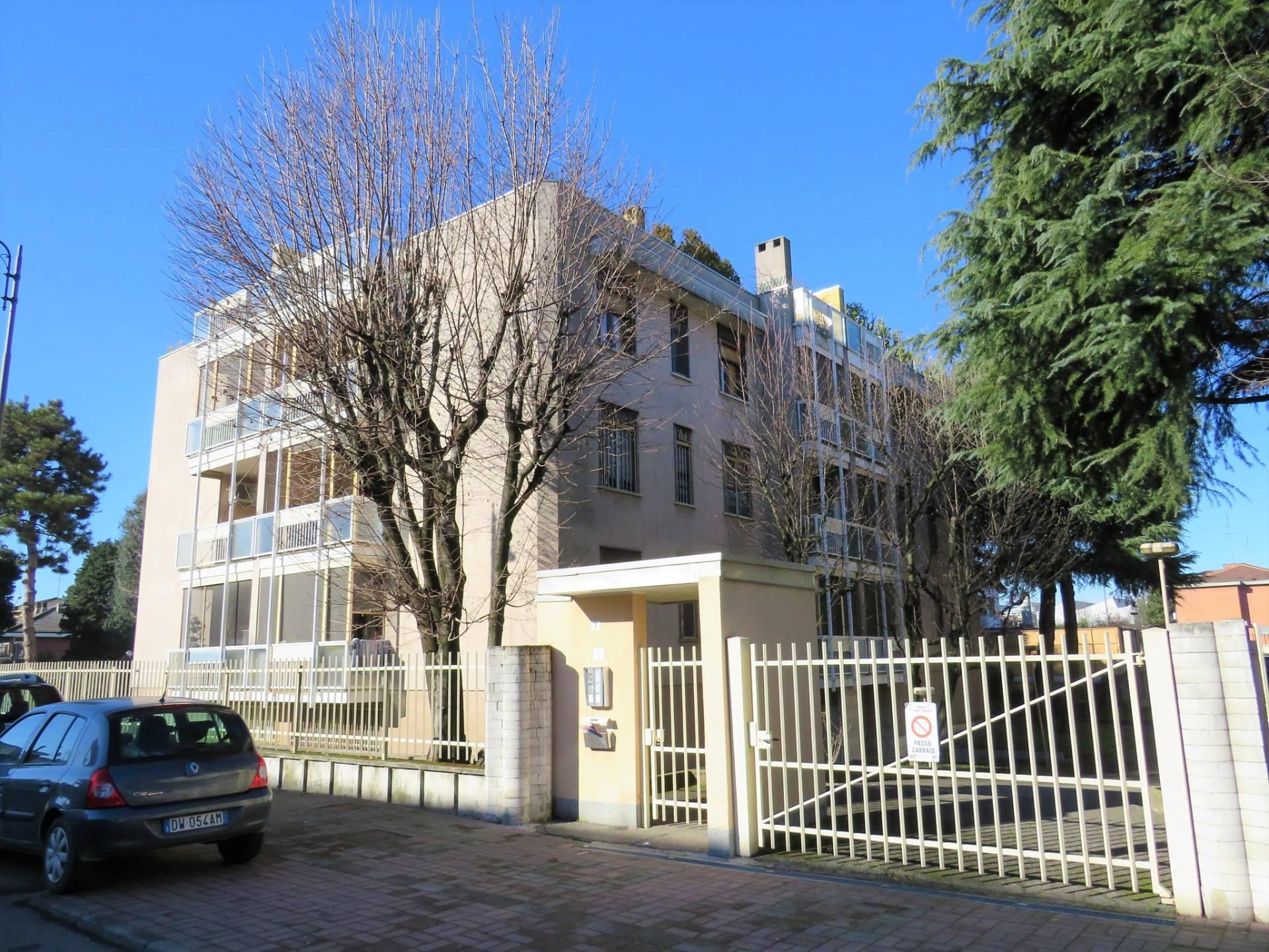 Laboratorio in vendita a Rozzano, 9999 locali, prezzo € 69.000   PortaleAgenzieImmobiliari.it
