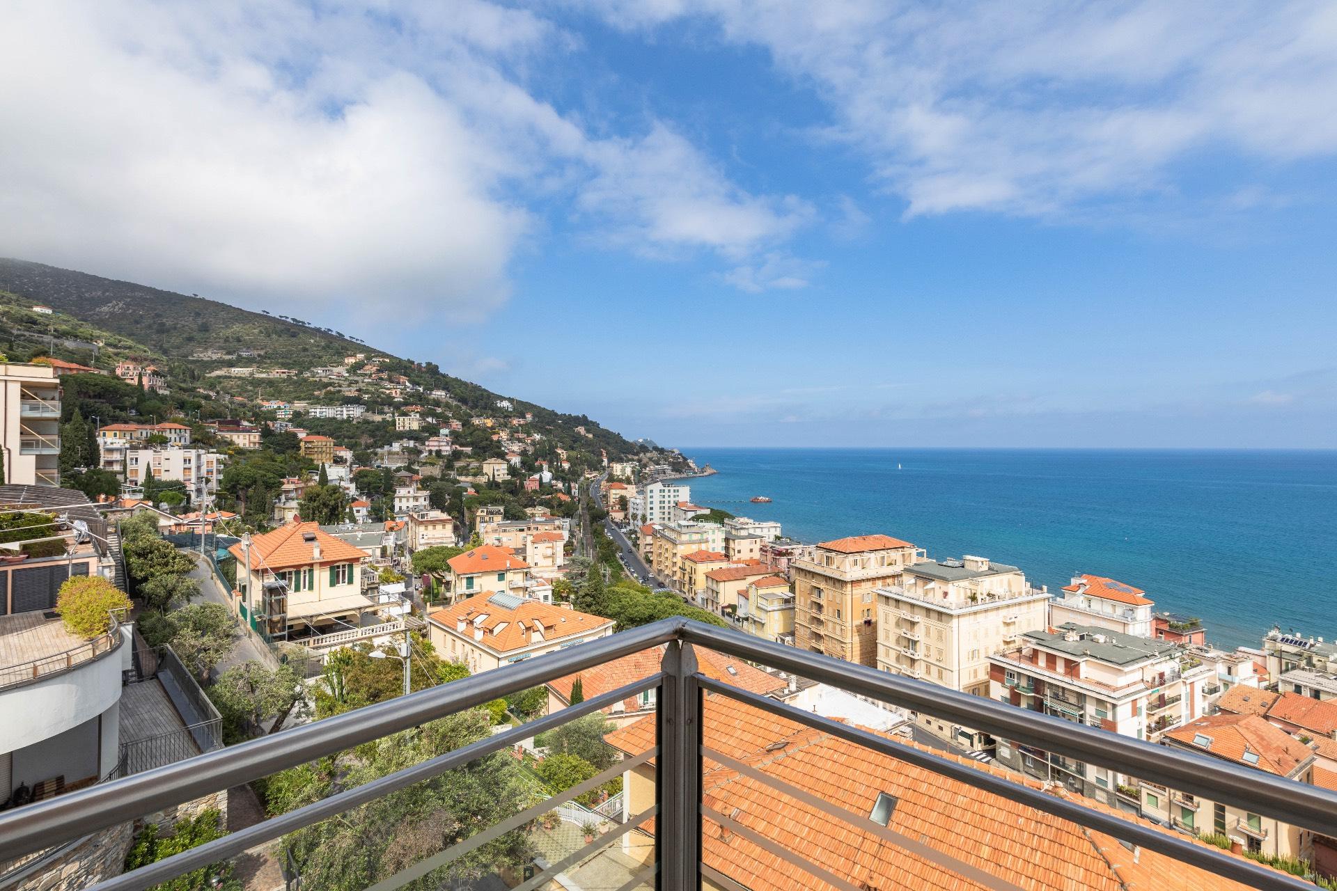 Appartamento in vendita a Alassio, 3 locali, zona a, prezzo € 715.000 | PortaleAgenzieImmobiliari.it