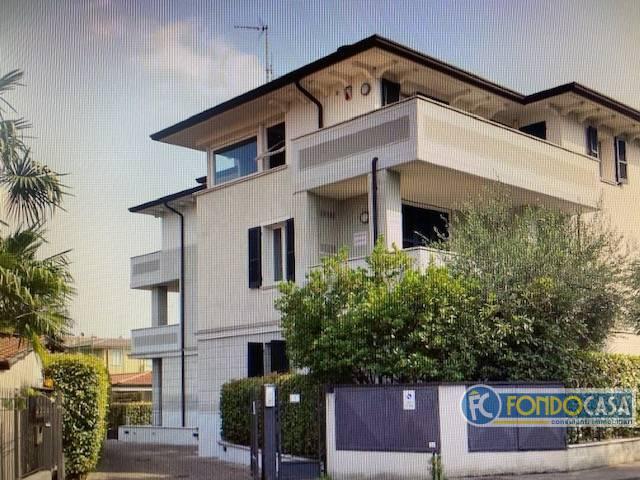 Attico / Mansarda in vendita a Desenzano del Garda, 4 locali, prezzo € 640.000 | PortaleAgenzieImmobiliari.it