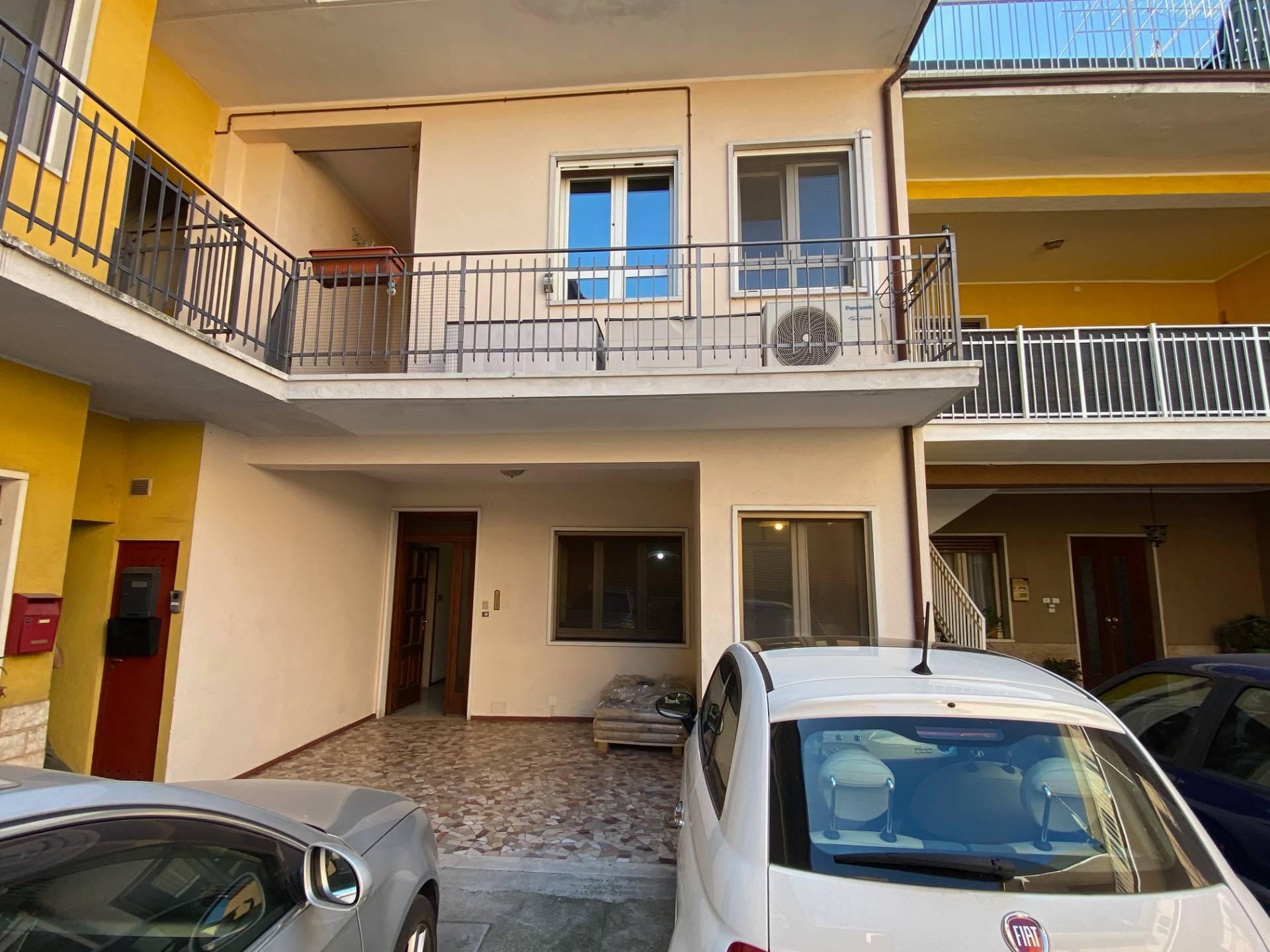 Appartamento in vendita a Cologne, 3 locali, prezzo € 60.000 | PortaleAgenzieImmobiliari.it