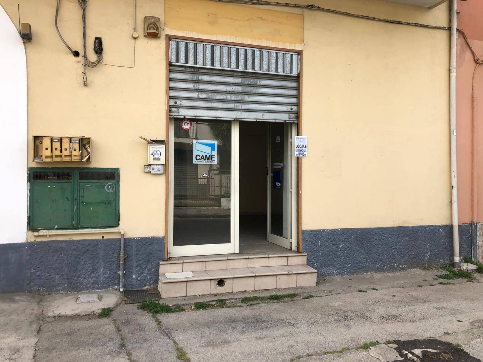 Attività / Licenza in affitto a Marigliano, 1 locali, prezzo € 350 | CambioCasa.it