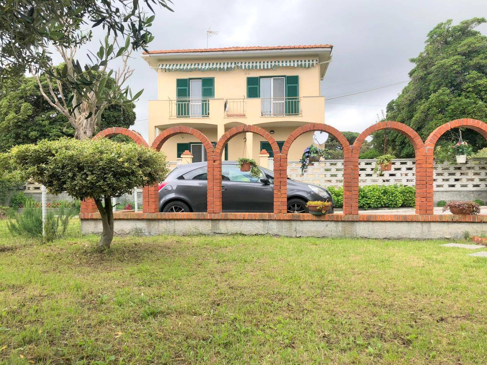 Appartamento in vendita a Celle Ligure, 5 locali, prezzo € 360.000 | PortaleAgenzieImmobiliari.it