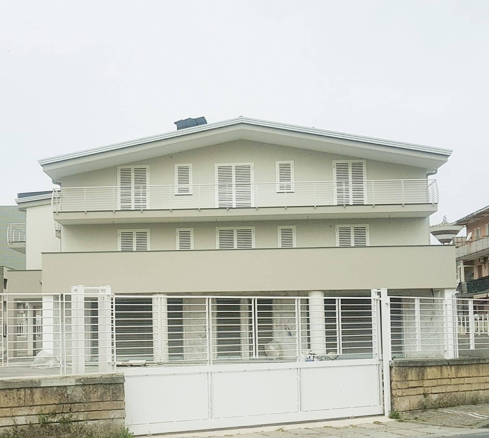Appartamento in vendita a Castello di Cisterna, 3 locali, prezzo € 180.000 | CambioCasa.it