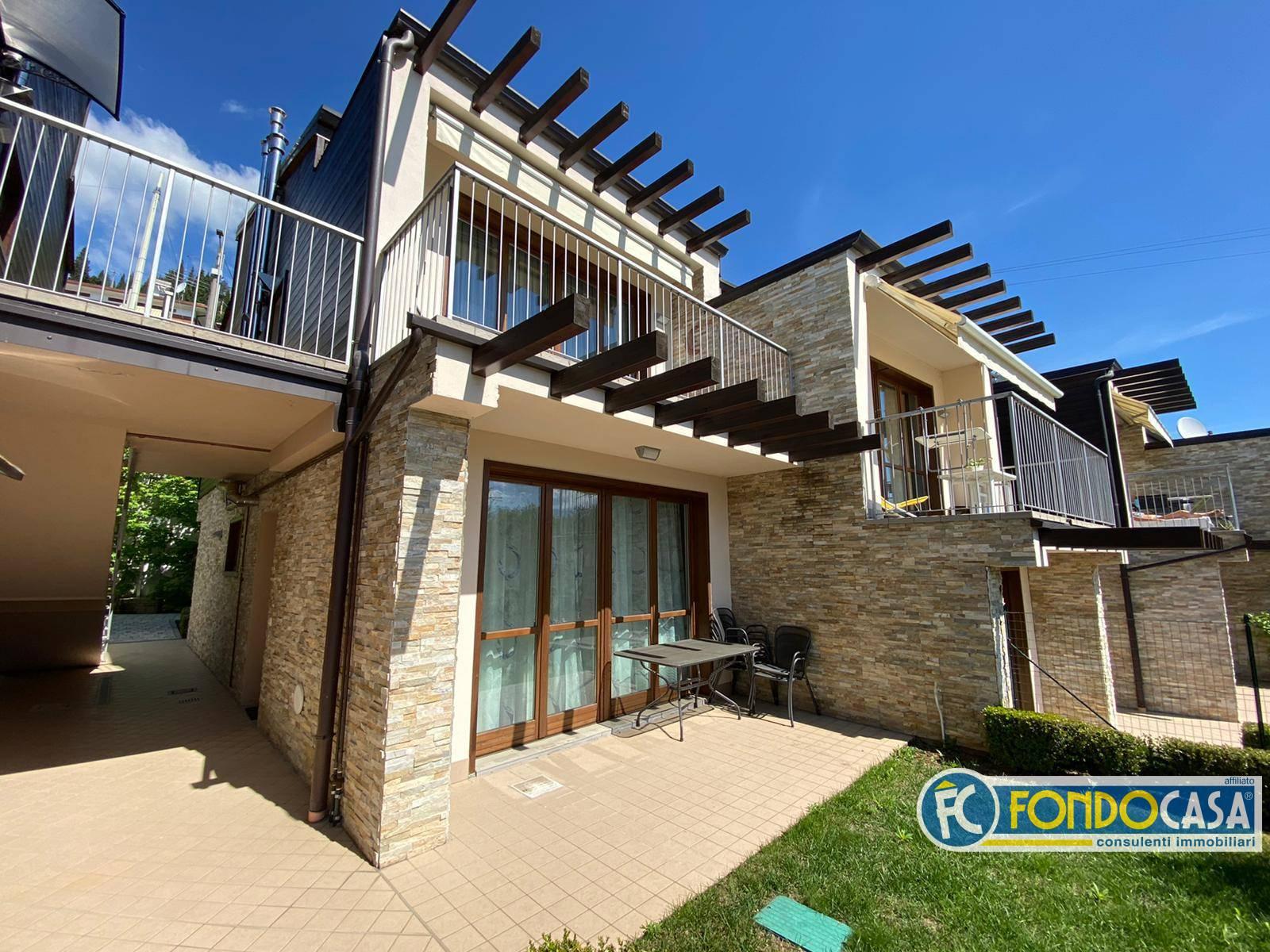Appartamento in vendita a Toscolano-Maderno, 3 locali, prezzo € 195.000 | PortaleAgenzieImmobiliari.it