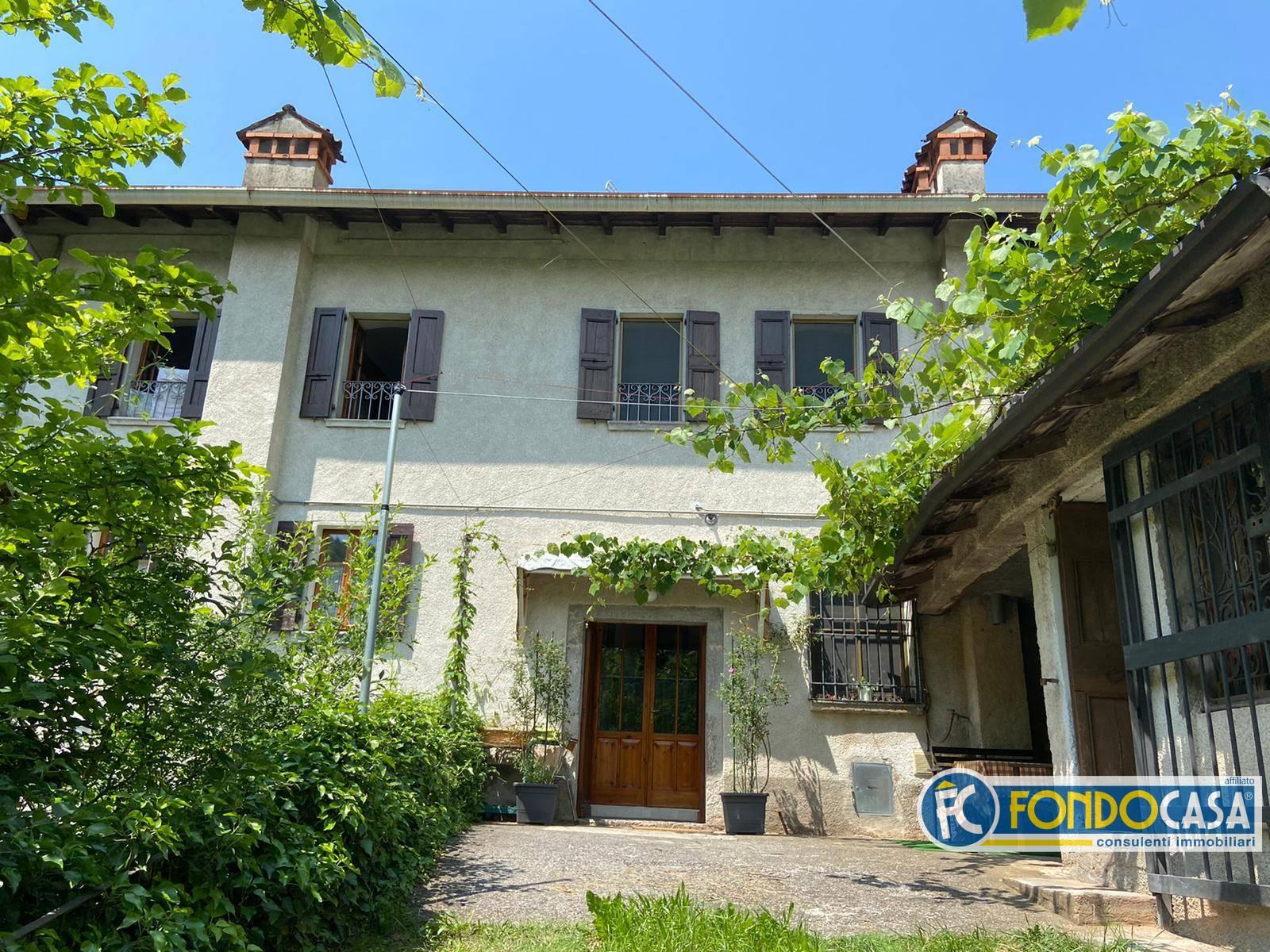 Rustico / Casale in vendita a Pezzaze, 3 locali, prezzo € 86.500 | CambioCasa.it