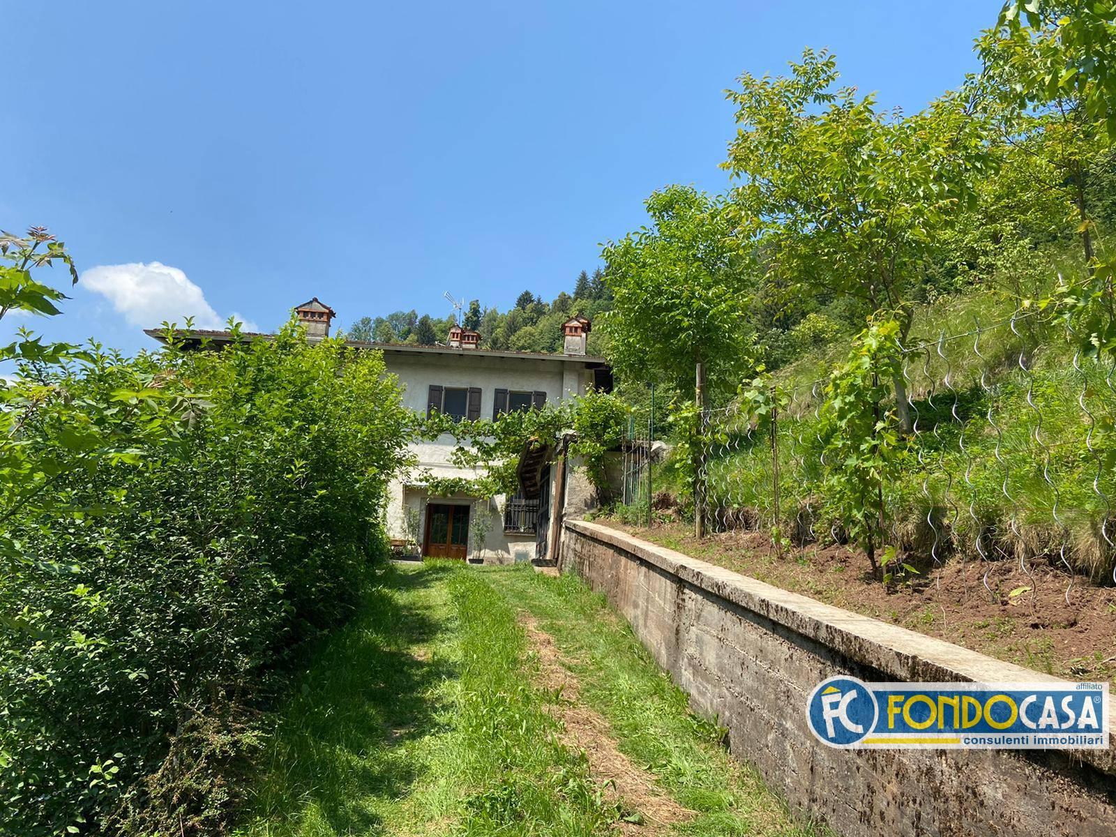 Rustico / Casale in vendita a Pezzaze, 3 locali, prezzo € 86.500   CambioCasa.it