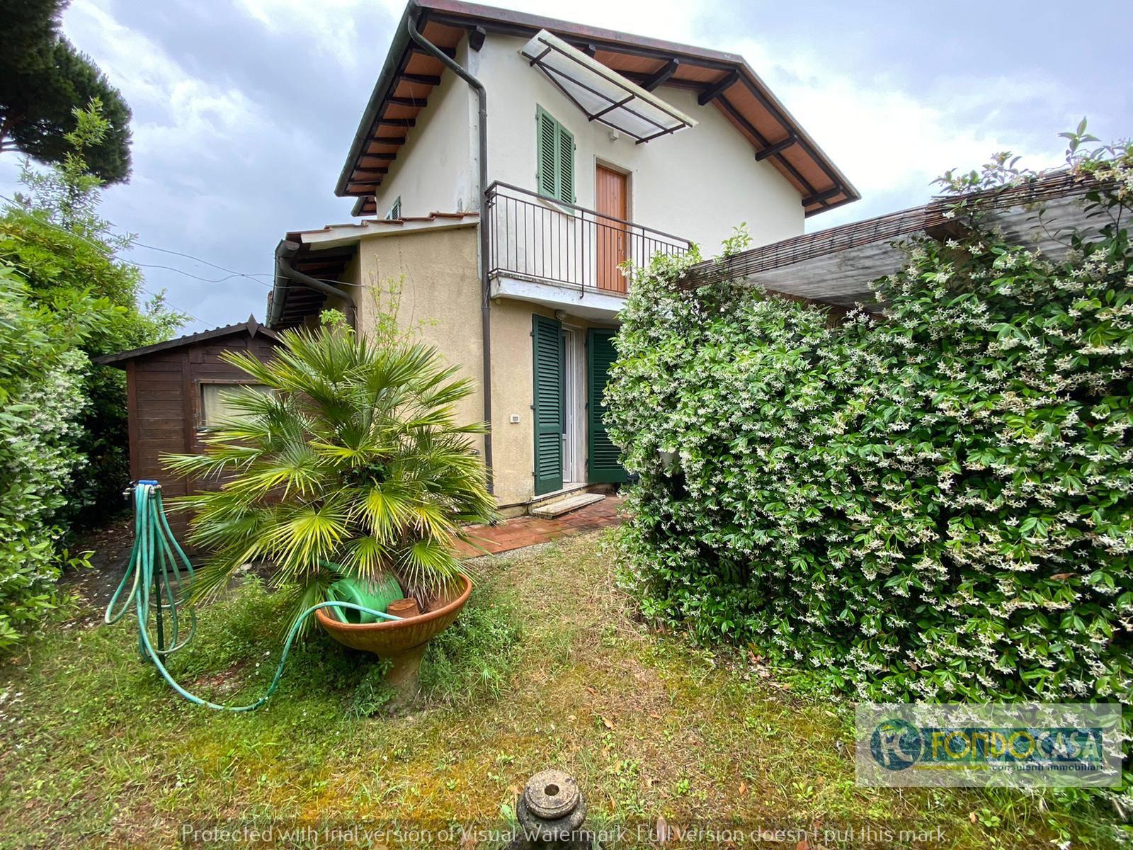 Appartamento in vendita a Forte dei Marmi, 3 locali, zona Località: VittoriaApuana, prezzo € 359.000 | PortaleAgenzieImmobiliari.it