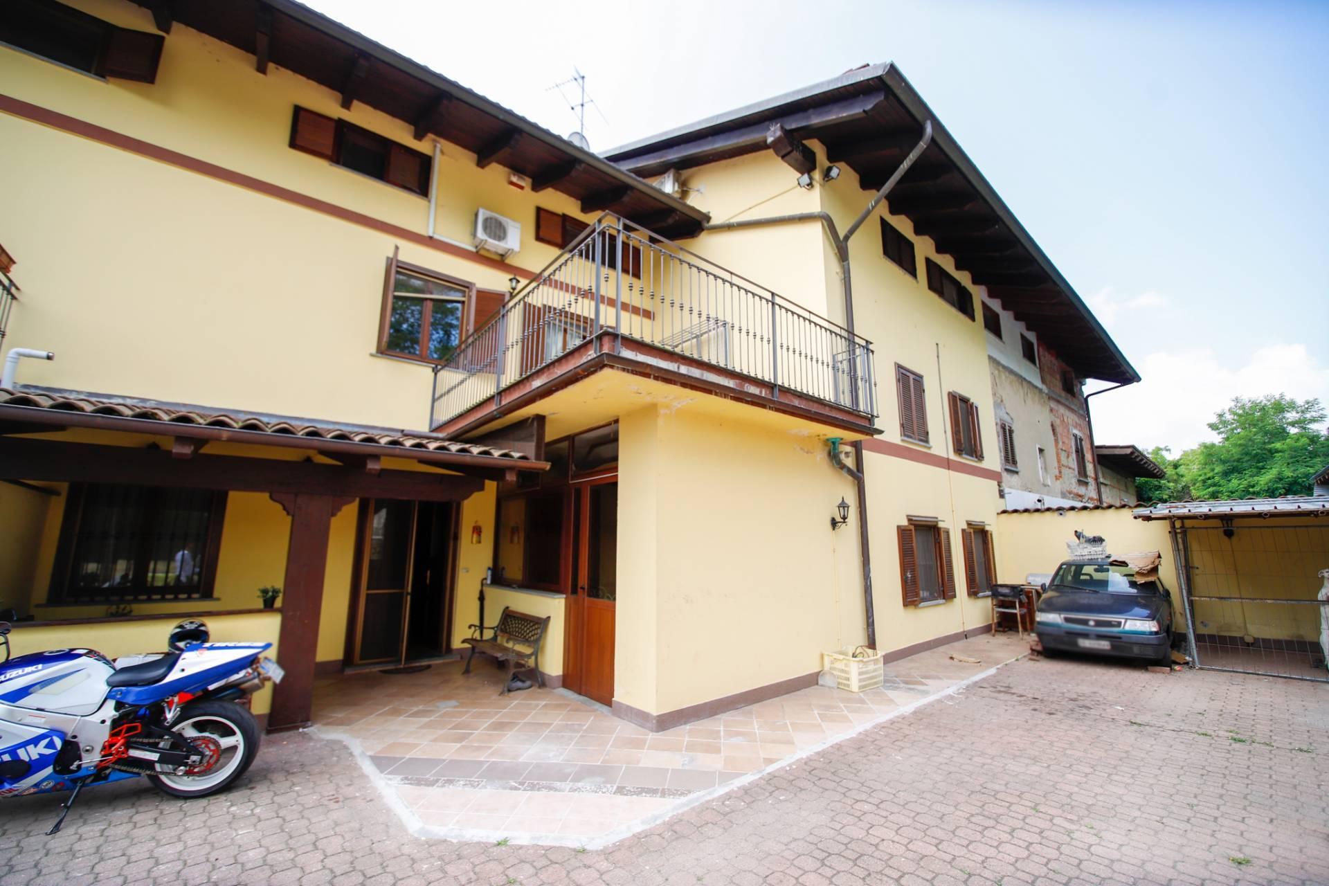 Soluzione Semindipendente in vendita a Caselle Torinese, 6 locali, prezzo € 179.000 | CambioCasa.it