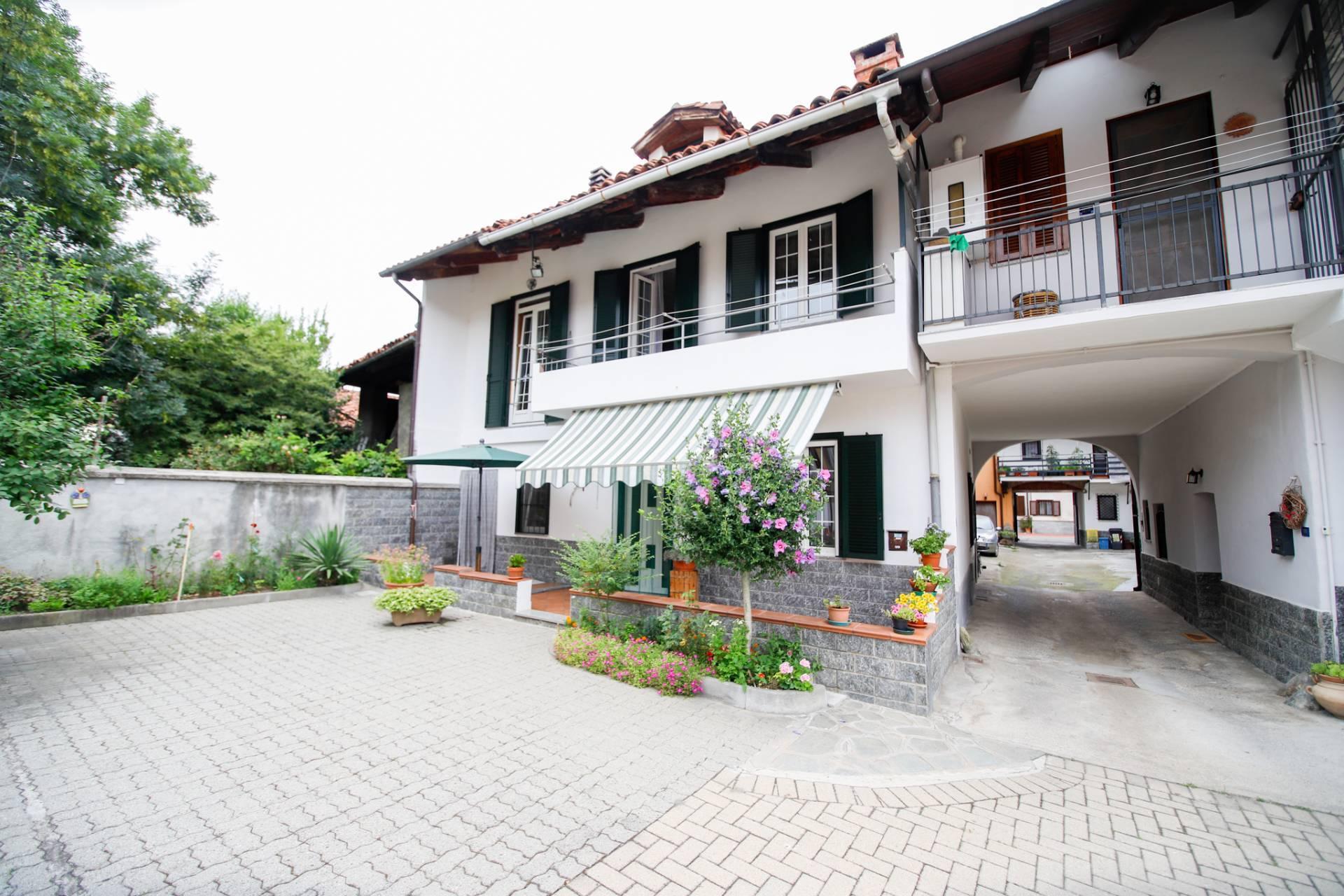 Appartamento in vendita a Volpiano, 6 locali, prezzo € 145.000 | CambioCasa.it