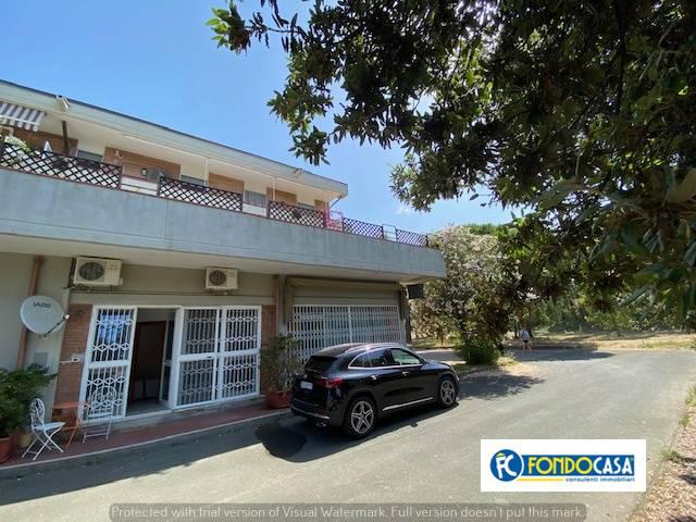 Appartamento in vendita a Ortonovo, 3 locali, zona Località: LuniMare, prezzo € 109.800 | CambioCasa.it