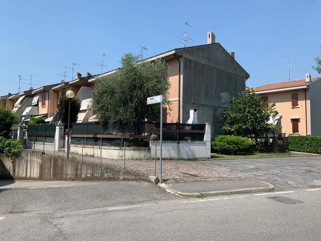 Villa a Schiera in vendita a Cologne, 7 locali, prezzo € 165.000 | PortaleAgenzieImmobiliari.it