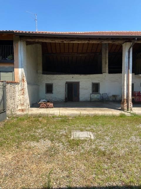 RUSTICO in Vendita a Sant'Anna, Rovato (BRESCIA)