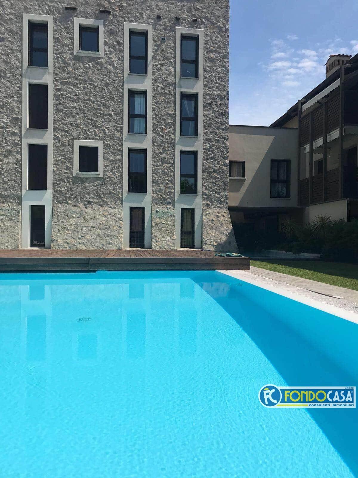 Appartamento in vendita a Moniga del Garda, 3 locali, prezzo € 139.000 | CambioCasa.it