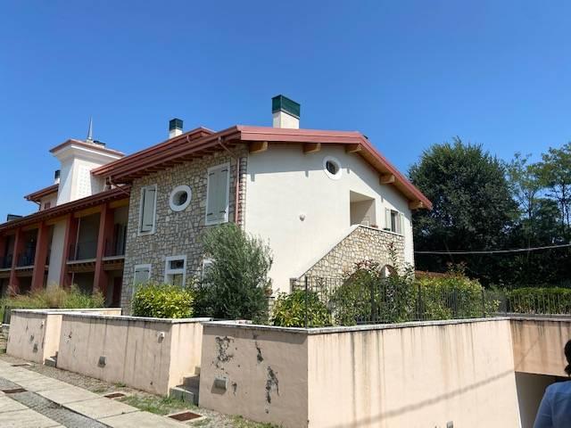 Appartamento in vendita a Erbusco, 3 locali, prezzo € 195.000   CambioCasa.it