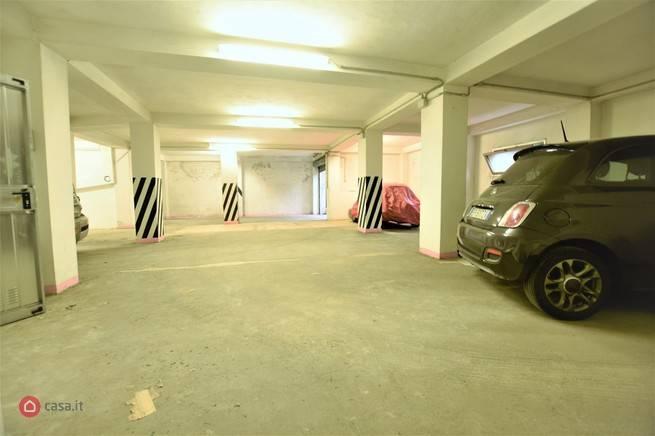 GARAGE/BOX/POSTO AUTO in Vendita a Genova (GENOVA)