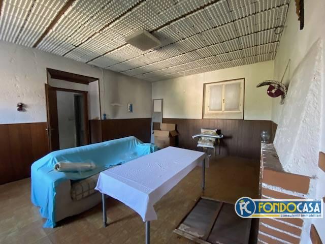 Soluzione Semindipendente in vendita a Puegnago sul Garda, 4 locali, prezzo € 179.800 | CambioCasa.it