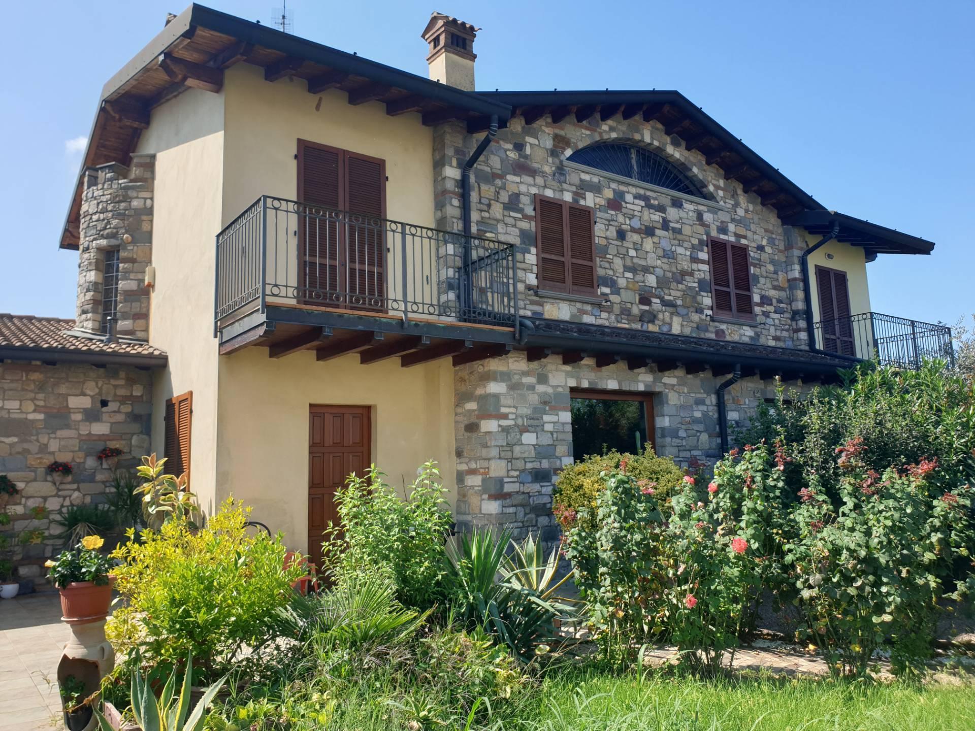 Villa Bifamiliare in vendita a Palosco, 4 locali, prezzo € 158.000 | PortaleAgenzieImmobiliari.it
