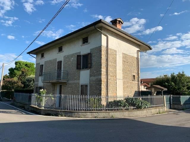 Villa in vendita a Carobbio degli Angeli, 5 locali, prezzo € 245.000   PortaleAgenzieImmobiliari.it