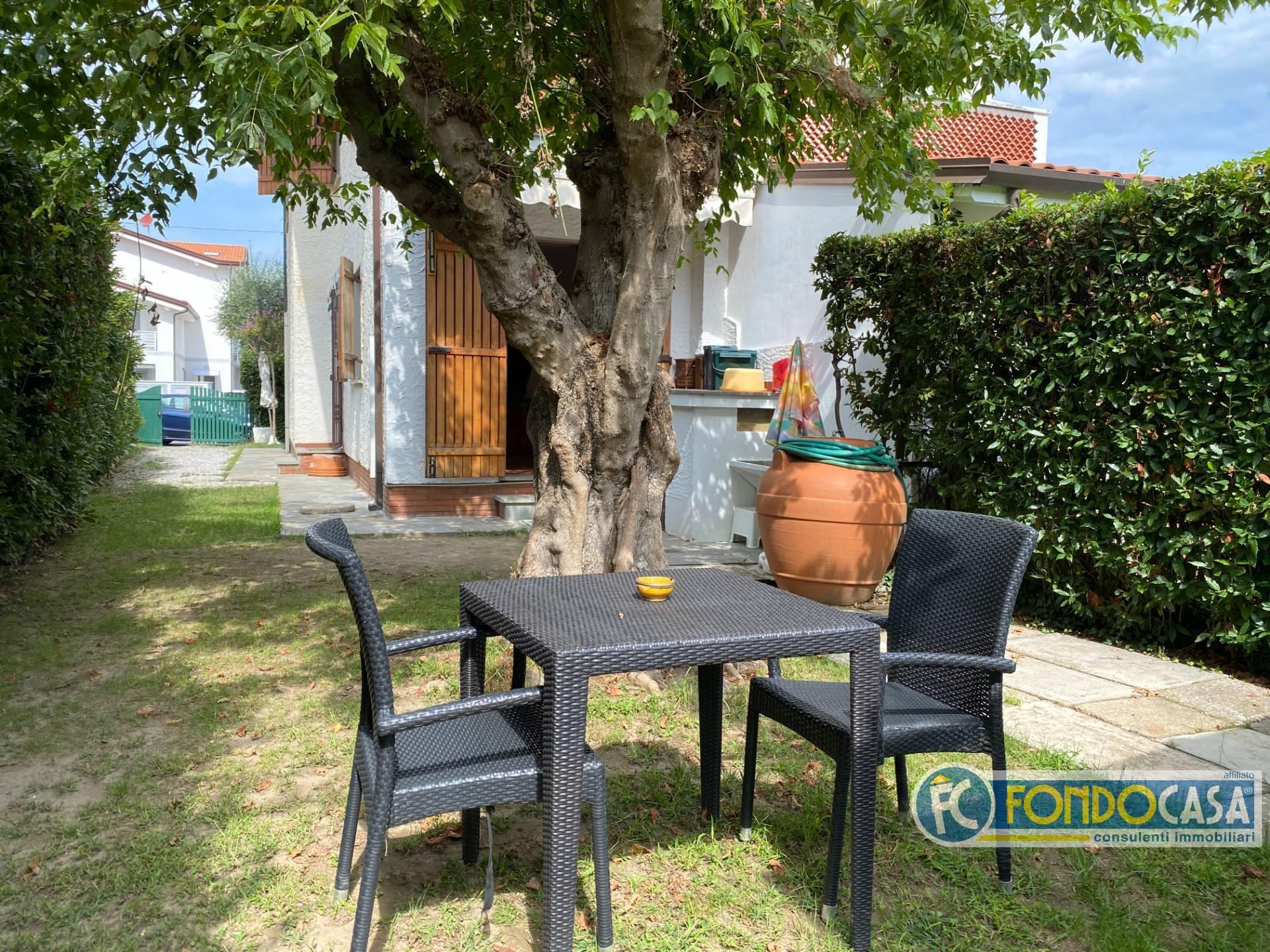 Appartamento in vendita a Montignoso, 1 locali, zona uale, prezzo € 69.900 | PortaleAgenzieImmobiliari.it