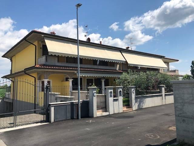 Appartamento in vendita a Cazzago San Martino, 3 locali, prezzo € 185.000 | CambioCasa.it