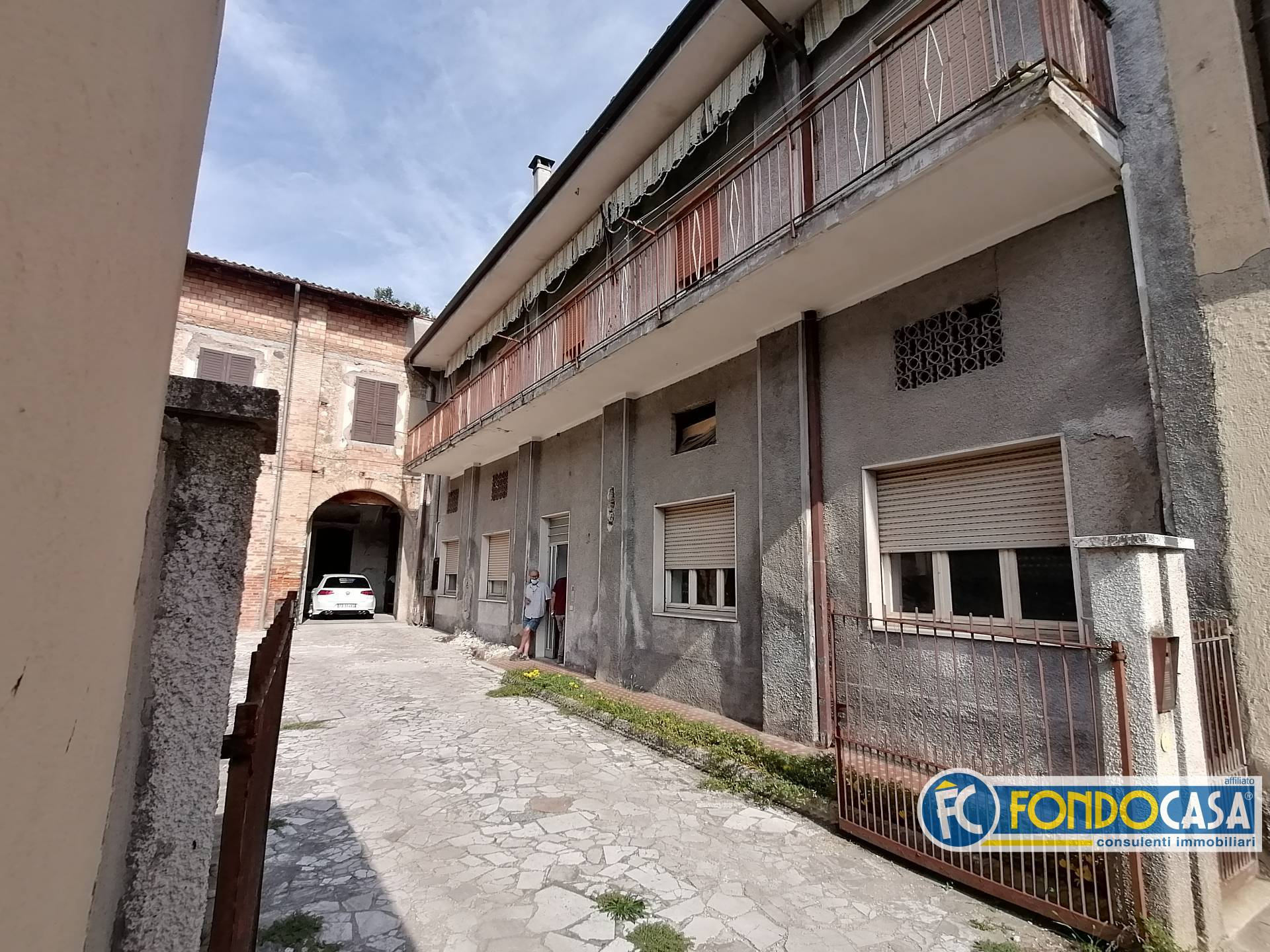 Appartamento in vendita a Bedizzole, 3 locali, prezzo € 49.900 | CambioCasa.it