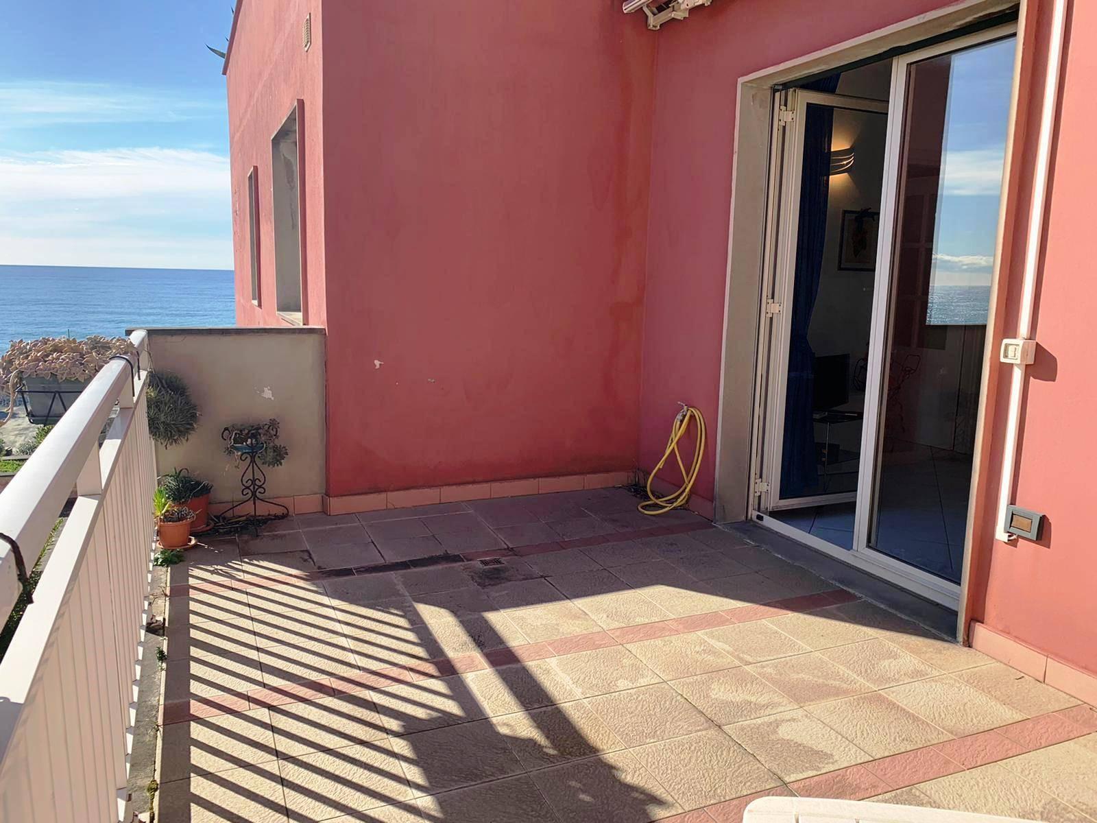 Appartamento in vendita a Arenzano, 2 locali, prezzo € 248.000 | CambioCasa.it
