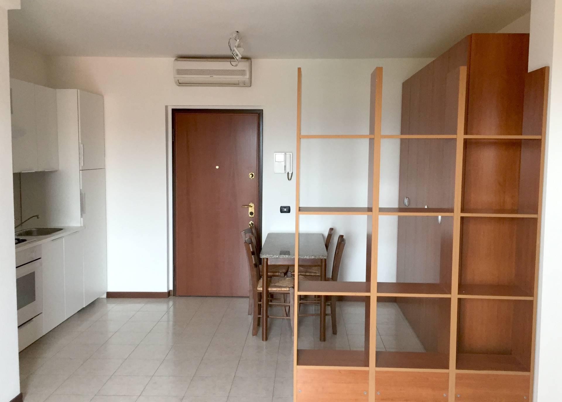 Appartamento in affitto a Roncello, 1 locali, prezzo € 380 | PortaleAgenzieImmobiliari.it