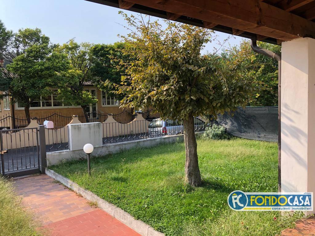 Villa Bifamiliare in vendita a Puegnago sul Garda, 4 locali, zona a, prezzo € 279.800   PortaleAgenzieImmobiliari.it