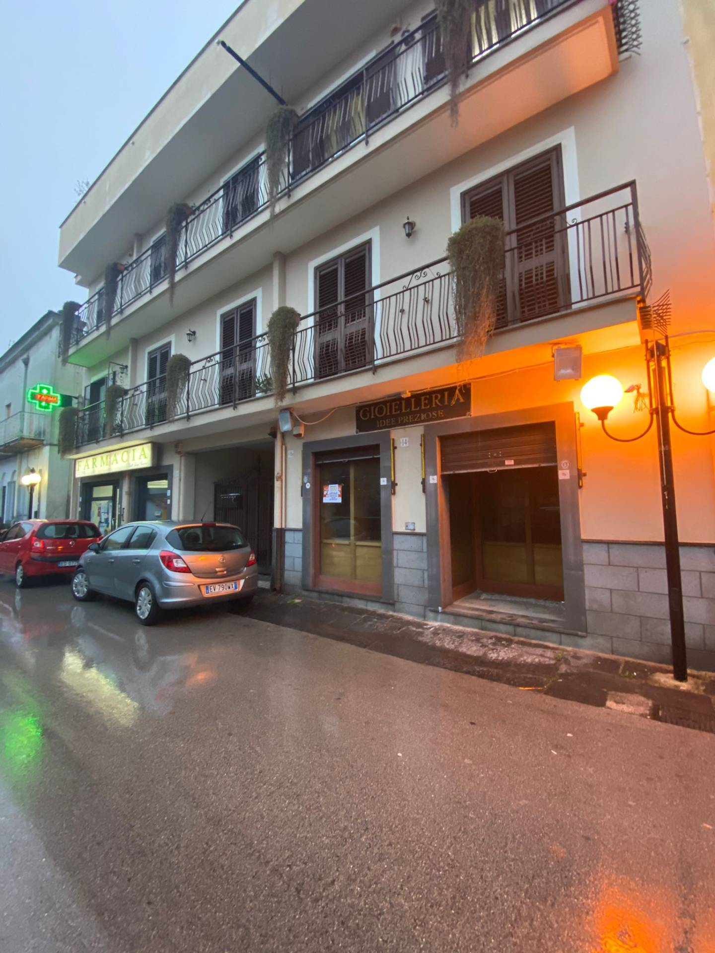 Attività / Licenza in affitto a Marigliano, 2 locali, prezzo € 400 | CambioCasa.it