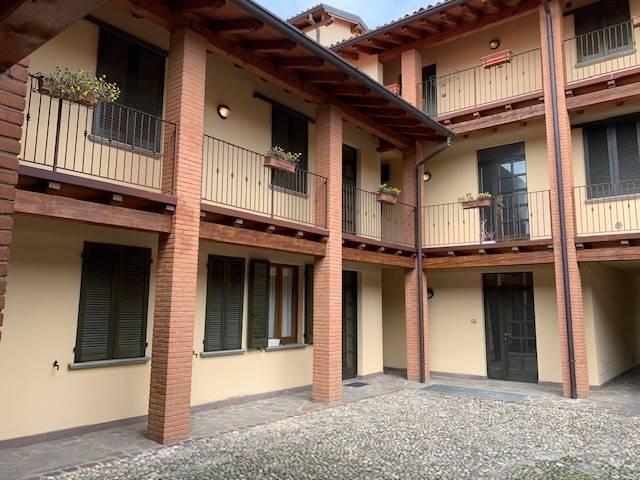 Appartamento in vendita a Erbusco, 3 locali, prezzo € 120.000 | CambioCasa.it