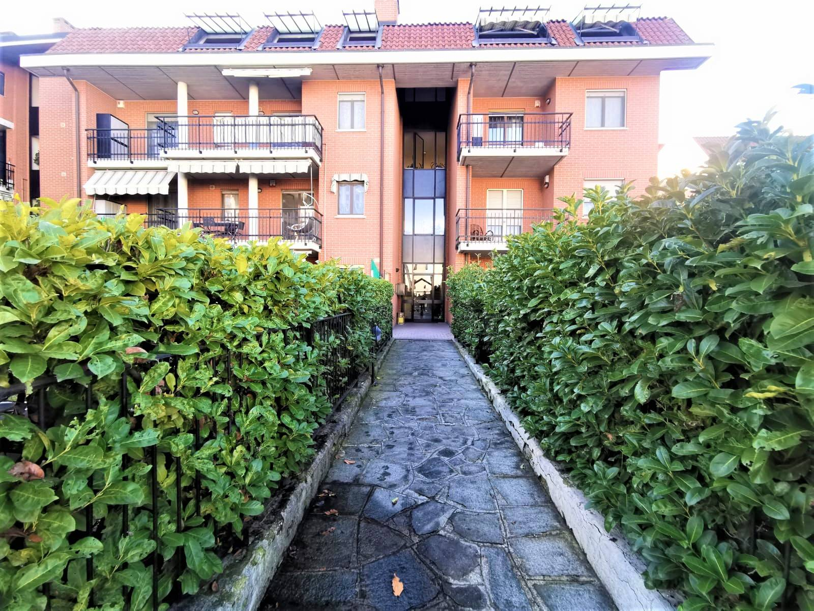 Appartamento in vendita a Venaria Reale, 5 locali, prezzo € 229.000 | CambioCasa.it