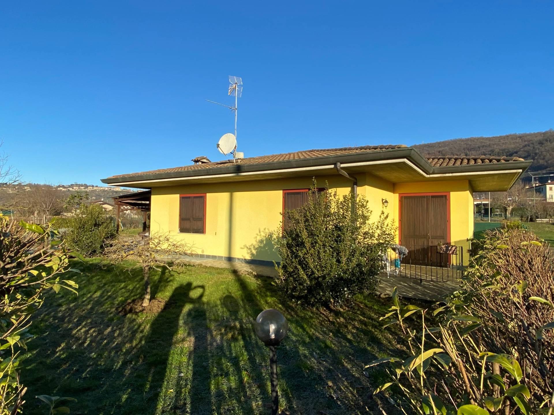Villa in vendita a Grumello del Monte, 3 locali, Trattative riservate | CambioCasa.it